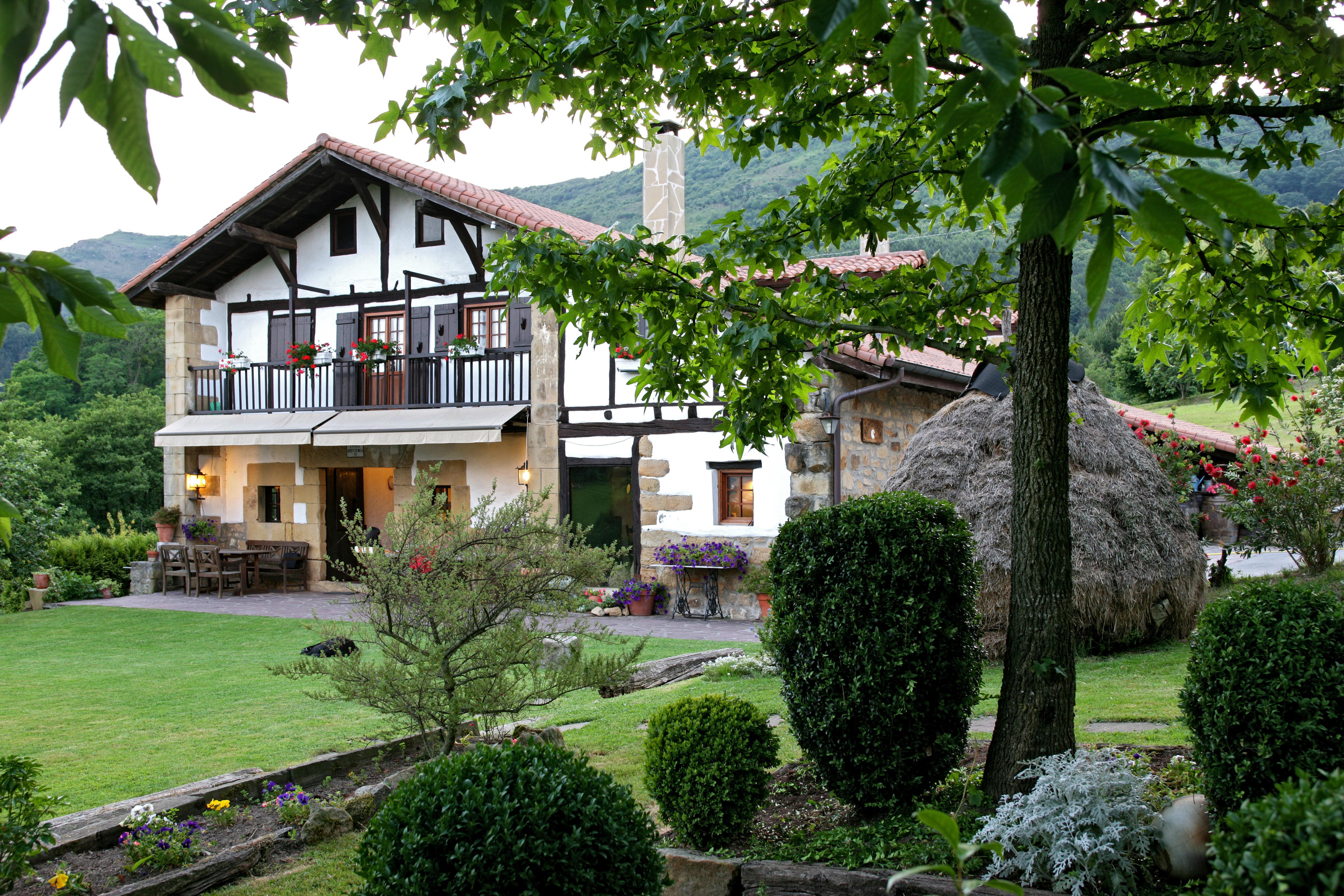 Nekatur: Asociación profesional de propietarios de Agroturismos y Casas Rurales de Euskadi